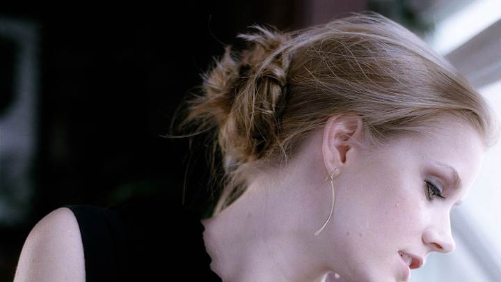 Amy Adams Side Face Closeup